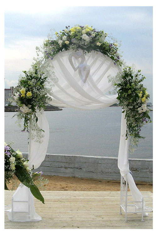 Свадебная арка на выездной регистрации в клубе Воздух