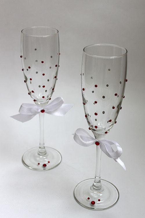 бокалы рубиновые ягоды