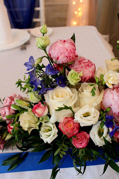 композиция-с-пионами-и-розами