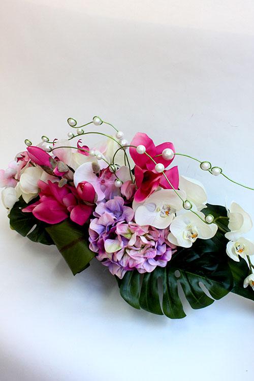 букет из искусственных цветов с гортензией