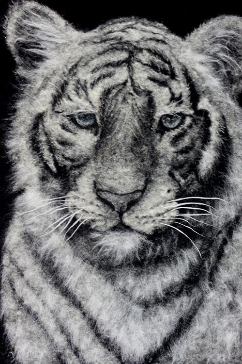 Портрет из тополиного пуха Тигр