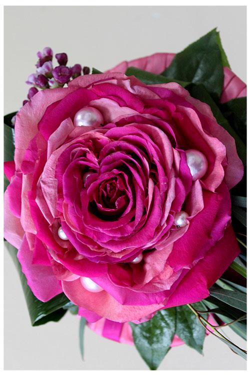 гламелия из розовых лепестков