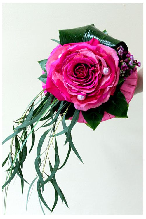 свадебный букет-гламелия из розовых роз