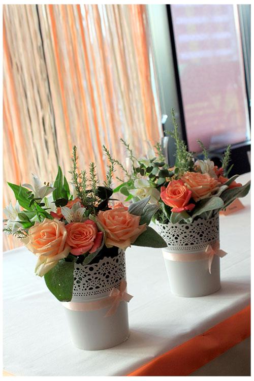 композиция на стол молодоженов с персиковом цве