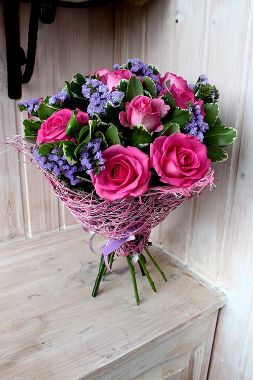 Букет со статицей и розами