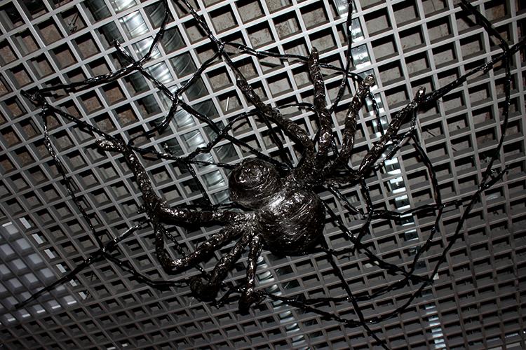 Большой паук на Хеллоуин