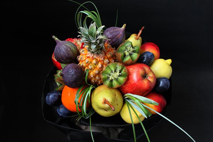 Фруктовый букет с ананасом-мини фруктами