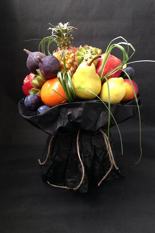 Фруктовый букет с мини ананасом
