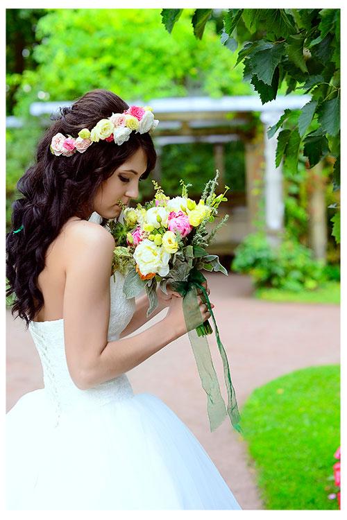 Невеста в нежном веночке