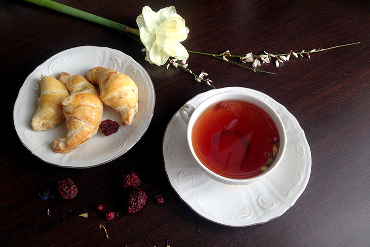 Чаепитие с чаем Таежный сбор Черные типсы