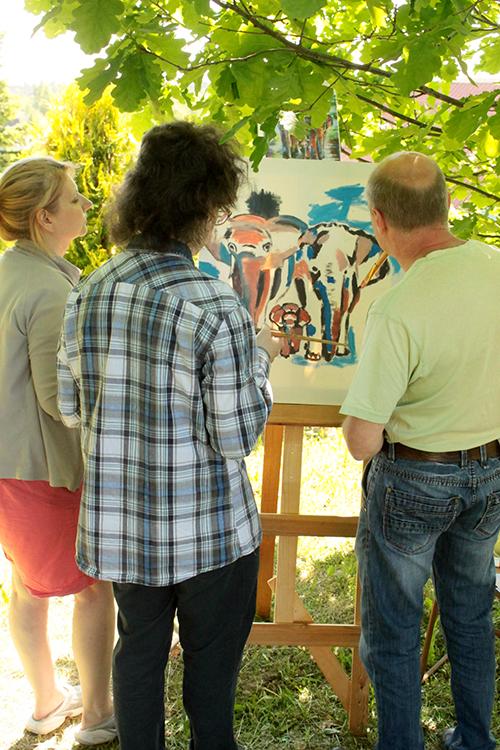 Работа над семейной картиной Слоны