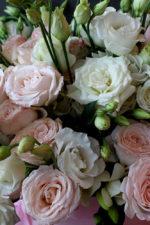 Какие букеты дарят на свадьбу молодым?