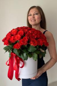 75 алых роз El Toro коробке