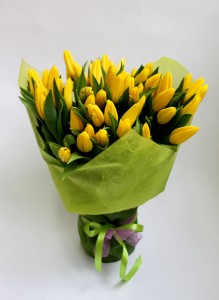 Букет из 50 желтых тюльпанов.