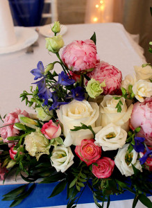 Свадебные композиции с пионами на стол
