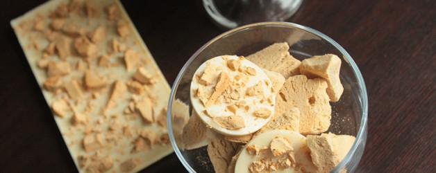 Шоколад с мороженым.