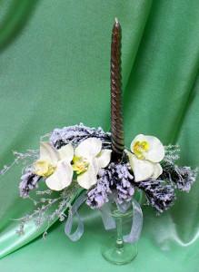 Композиция в бокале с орхидеями.
